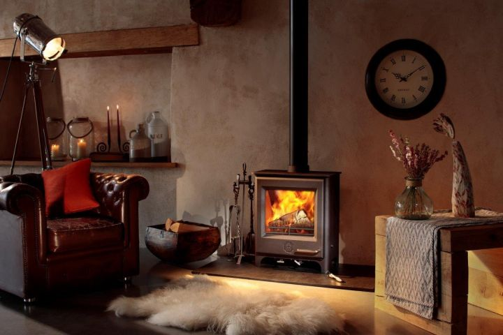 Hailing from our neighbouring county of Devon, Woodwarm Stoves are available in Cornwall from Heating South West
